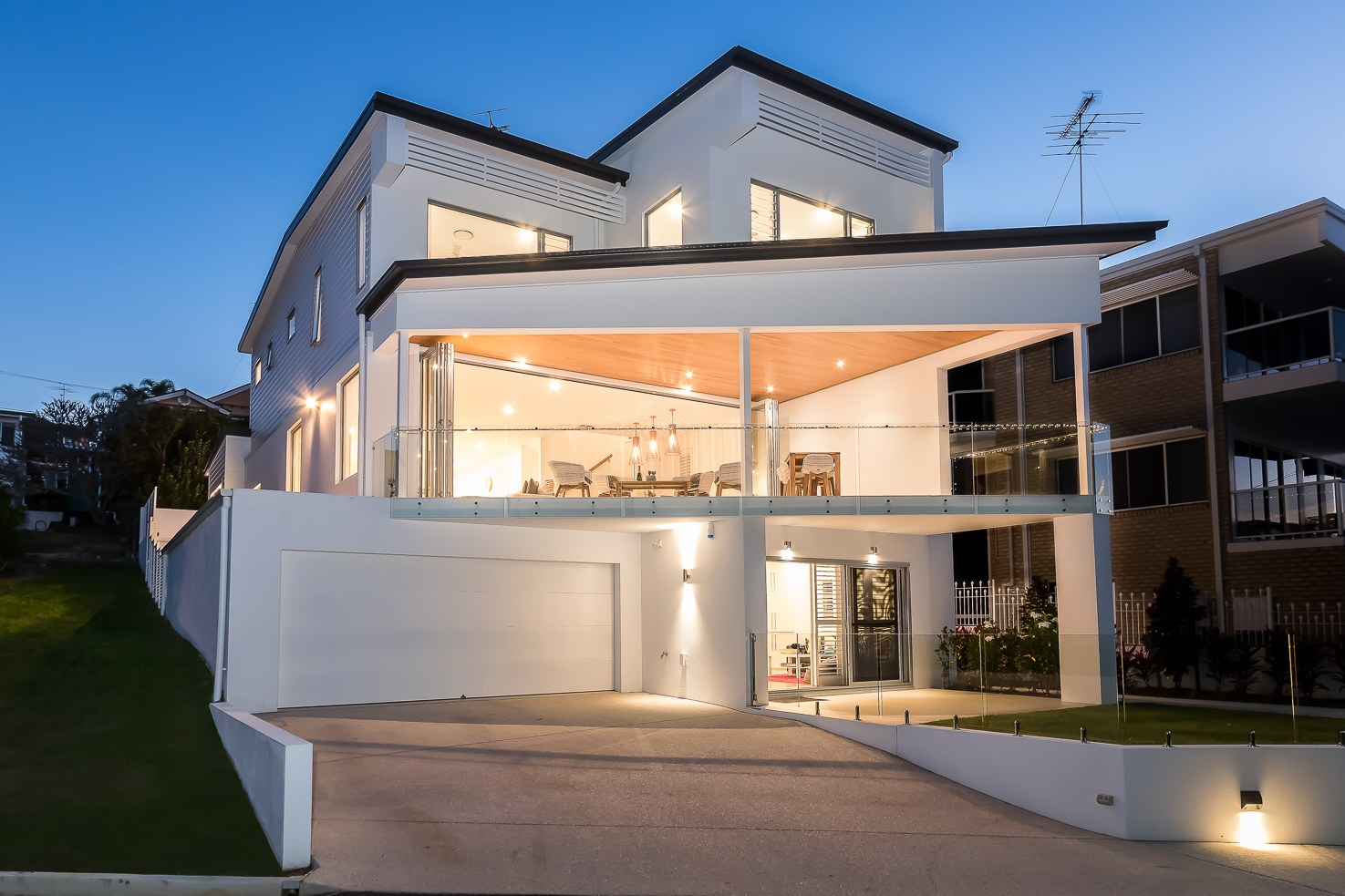 Brisbane Manly contemporary front at dusk